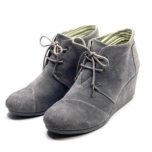 {Toms} Laceup Wedged Booties/Ankle Booties